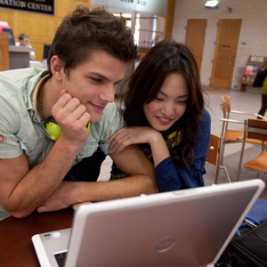 U of A to Launch Online Bachelor's Degree in Communication This Fall